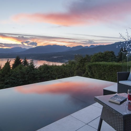 infinity pools in Burnaby, Vancouver and British Columbia