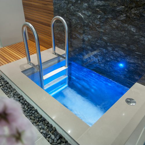 Plunge pools in Burnaby, Vancouver & British Columbia