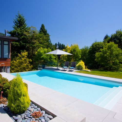 Built in rectangular pool with steps leading down